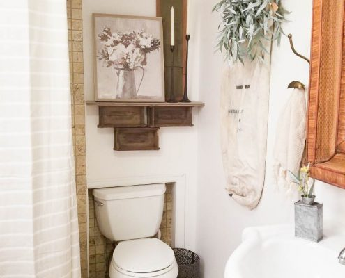 A little paint and some décor can go a long way to transform a space! Check out this simple DIY bathroom refresh on the blog: